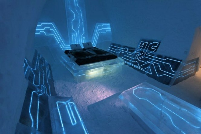 4-Tron-blue-futuristic-bedroom-theme-665x443