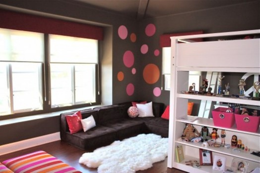 Stylish-Brown-And-Pink-Girl-Room-Design-7-524x349