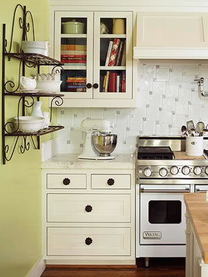 open-shelves-on-kitchen-24