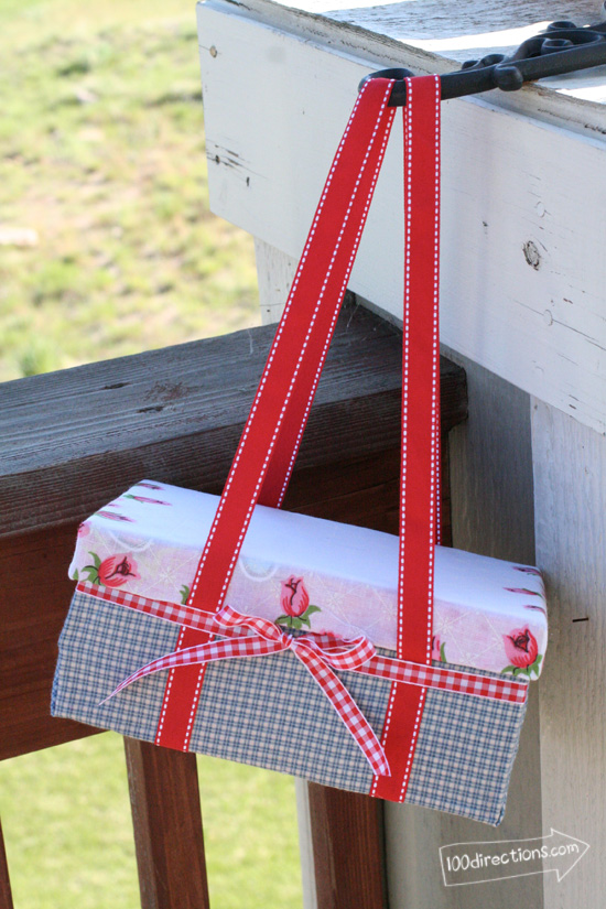 shoebox-picnic-basket-hanging