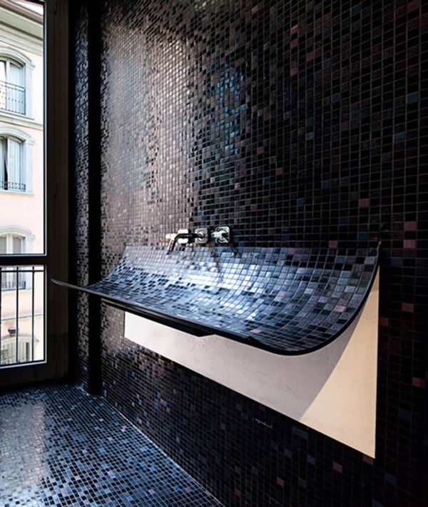 tiles-wall-wash-basin